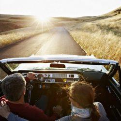 Pessoas casadas adoram viajar