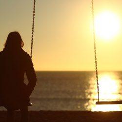 mulher sozinha